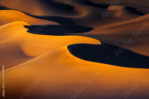 Valokuva Sunset Over Ibex Dunes in Death Valley, CA