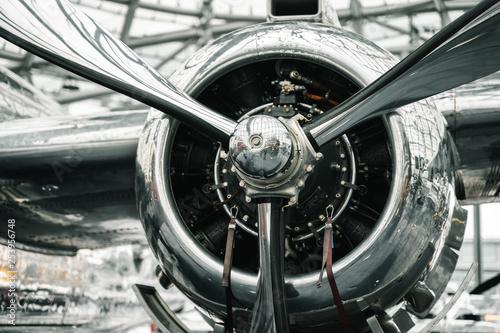 Canvas Print Metallic airplane propeller