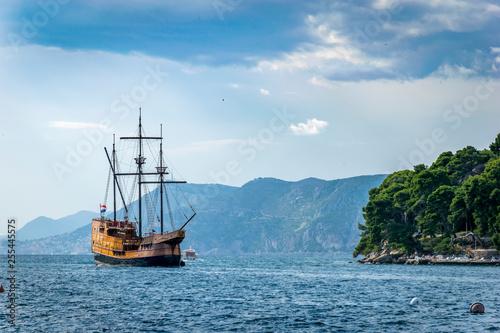 Obraz na płótnie Un bateau pirate au large de la Croatie