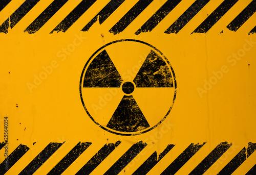 Carta da parati Black radioactive sign over yellow background
