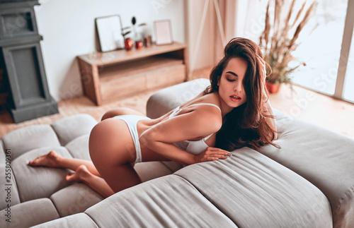 Valokuva Sexy woman at home