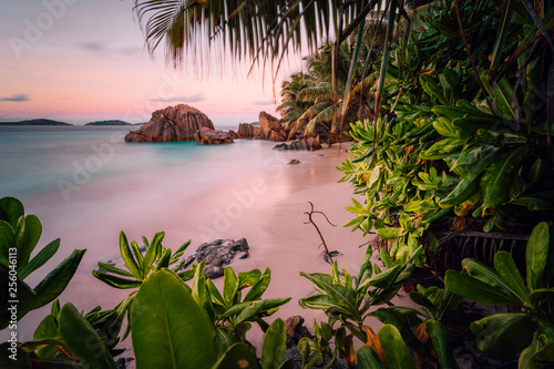 Carta da parati Paradise exotic beach on La Digue Island, Seychelles