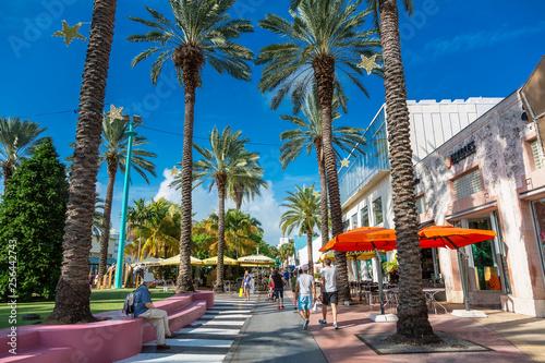 Fototapeta premium Miami, South Beach, Lincoln Road
