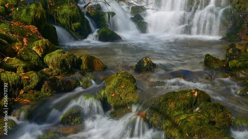 Cascadas en Araia (España)