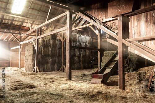 Photographie Barn Interior Wooden Light Beams Hay Bales Rustic