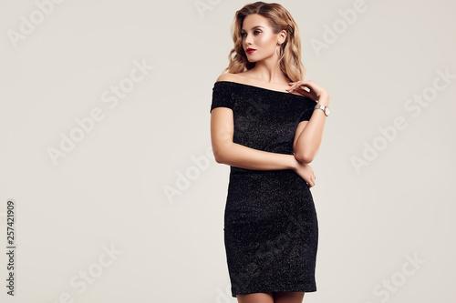 Canvastavla Gorgeous elegant sensual blonde woman wearing fashion black dress
