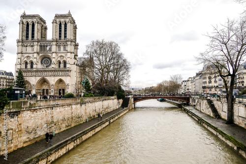 Fotografia Notre Dame de paris Church cathedral, Photo image a Beautiful panoramic view of