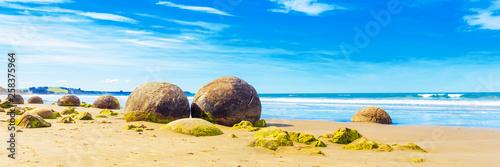 Fotografia Moeraki boulders on Koyokokha beach in the Otago region, New Zealand