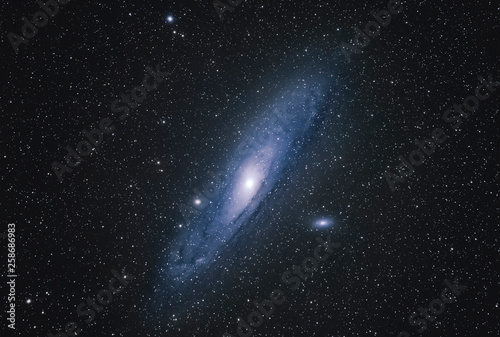 Fotografia Andromeda Galaxy M31 with Nebula, Open Cluster, Globular Cluster, stars and spac