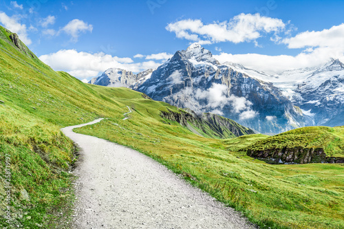 Canvas Print Urlaub in den Schweizer Bergen