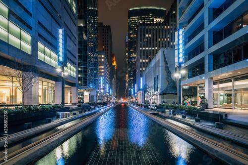 Obraz na płótnie Main Street Square at night, in downtown Houston, Texas