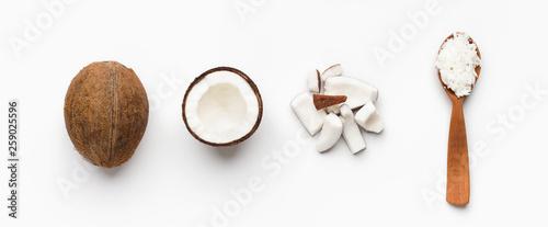 Obraz na płótnie Coconuts composition on white