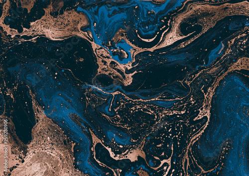 Współczesne malarstwo. Abstrakcja. Unikalny ręcznie malowany obraz do kreatywnego projektowania plakatów, tapet. Nowoczesne dzieło sztuki. Grafika mieszana. Niezwykły styl artystyczny. Farby niebieskie i brązowe.