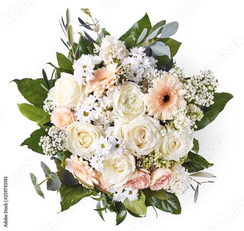 Foto Beautiful wedding bouquet isolated on white background