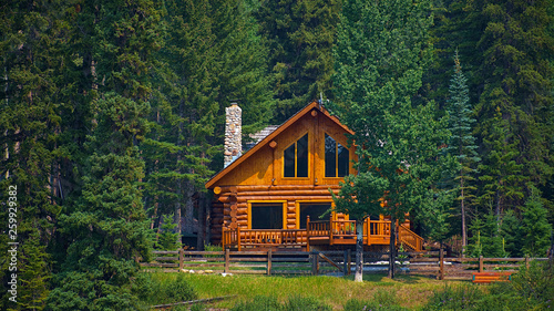 Fotografia Wooden house commonly found near lakes and rivers