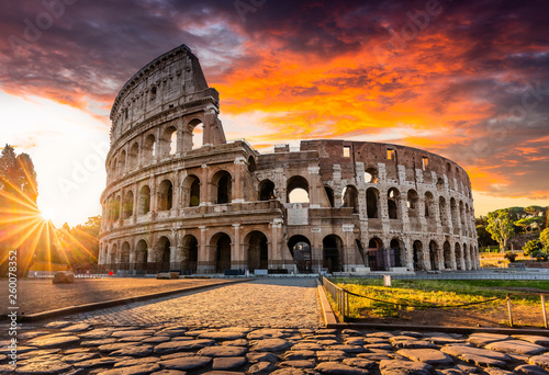 Fotomural Rome, Italy. The Colosseum or Coliseum at sunrise.