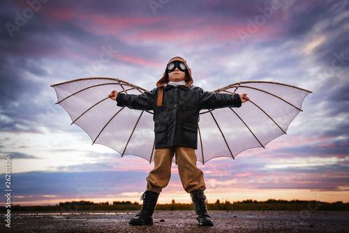 Fotografija Child dreams of flying