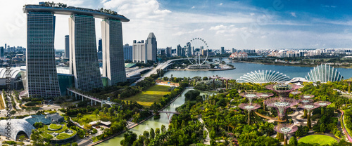 Canvas Print Joy of life at Gardens By The Bay, Singapore