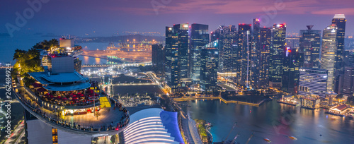 Canvas Print Marina Bay Hotel Skypark Skygarden Skybar at Singapore - Spaceship