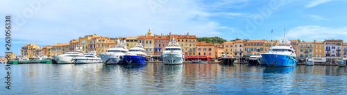 Fotografia Boats in a port of Saint Tropez, France