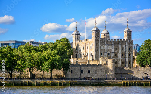 View of the Tower of London, a castle and a former prison in London, England, from the River Thames Fototapeta
