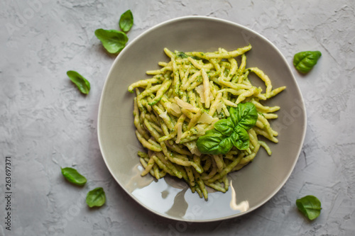 Trofie al pesto - italian pasta with pesto. Fototapeta