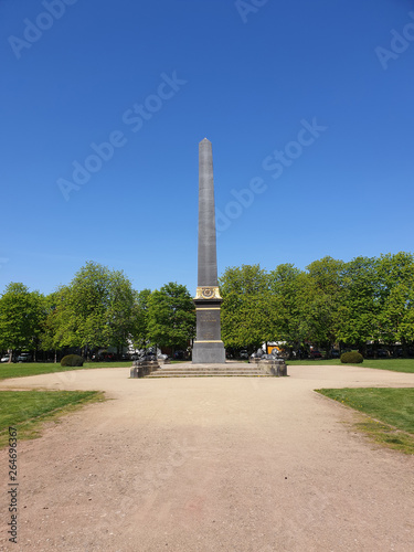 Fotografia Obelisk auf dem Löwenwall in Braunschweig