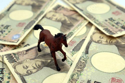 Carta da parati 競馬、ギャンブルのイメージ
