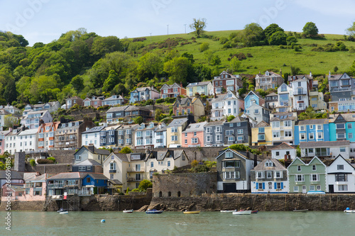 Fotografiet Bayard's Cove Fort Dartmouth Devon with houses on the hillside in historic Engli