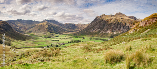 Obraz na plátně Panoramic view of Upper Langdale in the Lake District, Cumbria, England, UK
