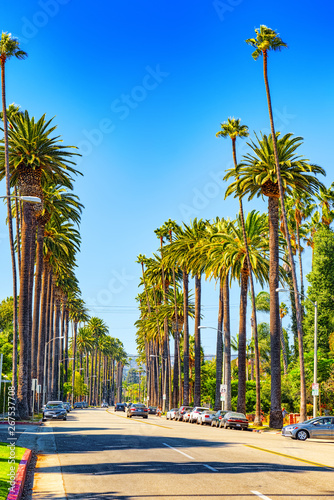 Fotografia Urban views of the Beverly Hills area and residential buildings on the Hollywood hills