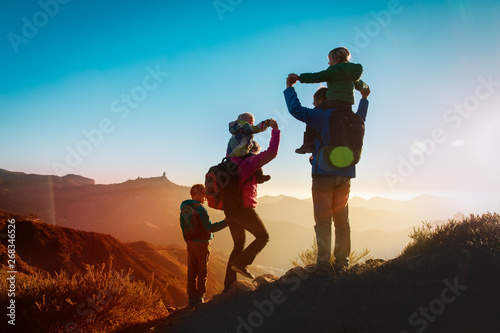 Cuadros en Lienzo happy family travel in mountains at sunset