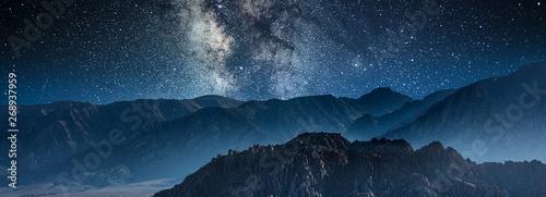 Canvas-taulu milky way galaxy and stars in night sky at alabama hills park california