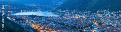 Fotografie, Obraz Como - The city with the Cathedral and lake Como.