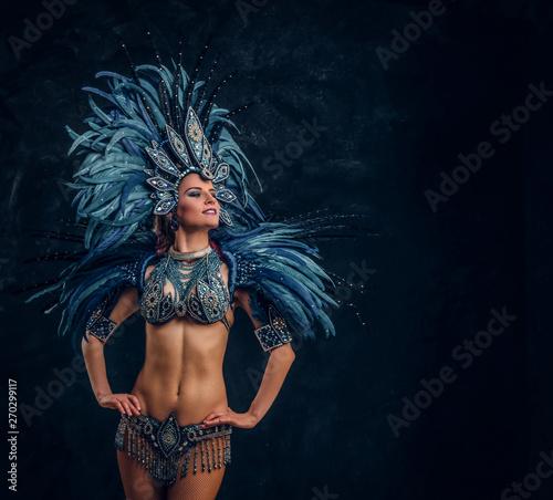 Stampa su Tela Happy brasil dancer is posing for photographer