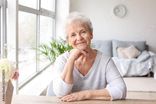 Obraz na plátne Portrait of senior woman at home