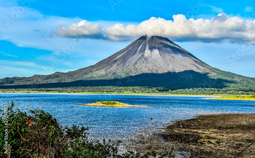 Photo landscape with Arenal Volcan in costa rica central america