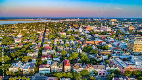 Fototapeta premium Rainbow Row w Charleston, Karolina Południowa, USA