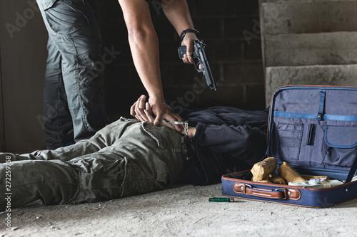 Slika na platnu Police arrest drug trafficker with handcuffs