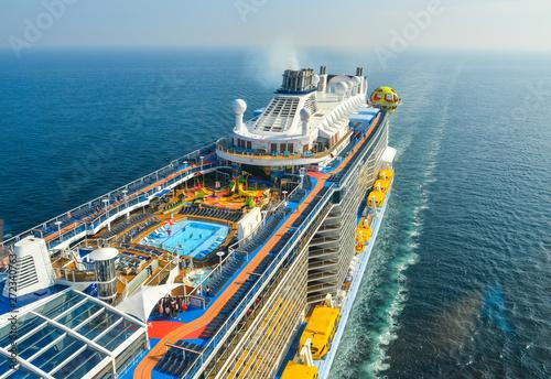 Billede på lærred Aerial view of Spectrum of the Sea cruise