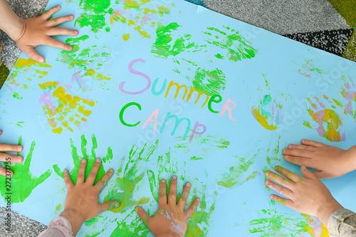 Canvas Print Little children during art lesson in summer camp