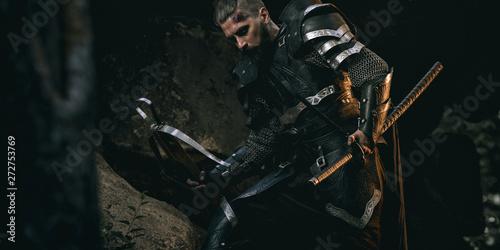 Carta da parati Knight with sword and crossbow