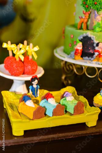 Obraz na plátně snow white and the seven dwarfs