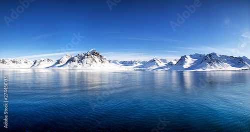 Leinwand Poster Svalbard mountains and fiords panorama