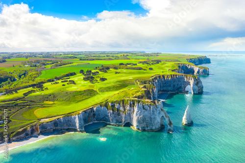 Canvas Print Picturesque panoramic landscape on the cliffs of Etretat