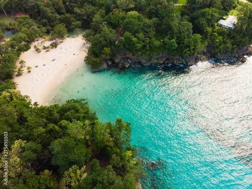 Leinwand Poster tropical island in the sea