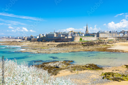 Billede på lærred Beautiful view of the city of Privateers - Saint Malo in Brittany, France