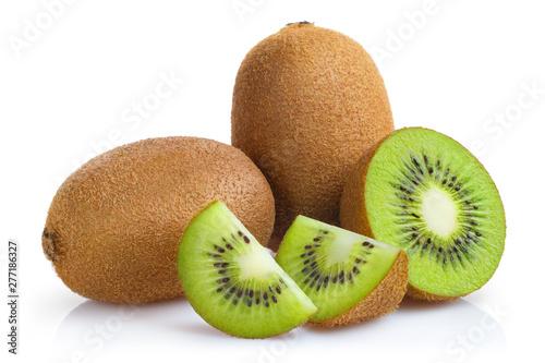 Fotografia Delicious ripe kiwi fruits, isolated on white background