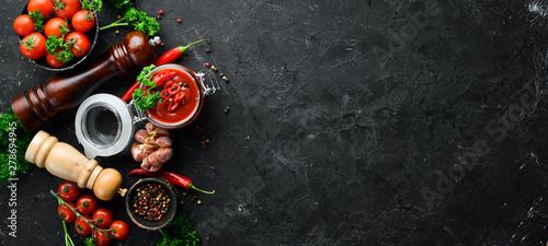 Fotografija Sauce of fresh tomatoes and chili peppers