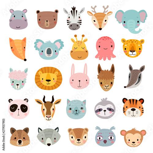 Fototapeta premium Duży zestaw zwierząt. Śliczne twarze. Ręcznie rysowane postacie.